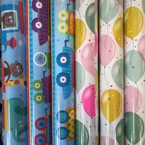 Cadeaupapier 6 Kleine rollen 150x70cm Treinen en Ballonnen