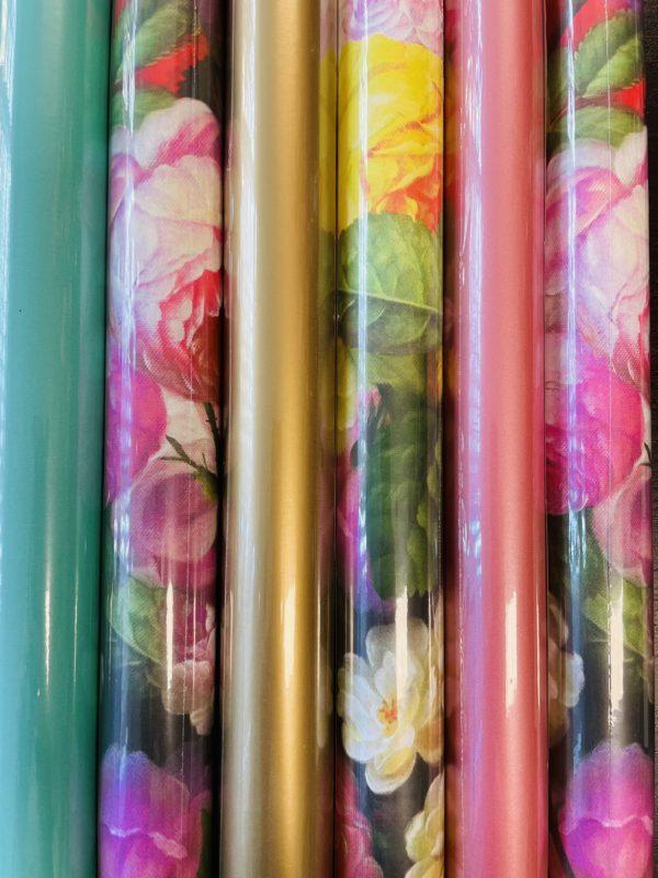 Cadeaupapier Rolletjes Bloemen en Uni